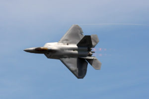 F22 Raptor high speed pass